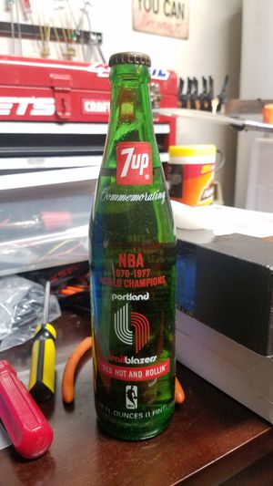76-77 Portland Trail Blazers Commemorative 7up bottle. Never Opened\Antiques for Sale in Vancouver, WA