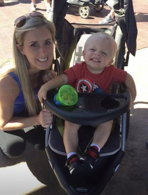 Jogging stroller with attachable car seat for Sale in Yukon, OK
