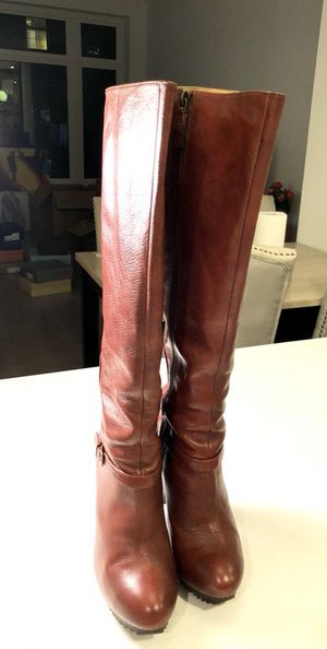 Ninewest boots size 6, brown color, 4.5in heel, like new with original box for Sale in Boston, MA