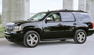 Black2OO7 Chevrolet Tahoe LTZ for Sale in Madison, WI