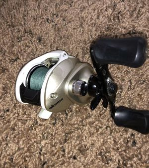 Plums Baitcaster Fishing Reel for Sale in Greenfield, IN