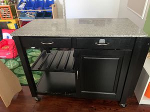 Kitchen cabinet for Sale in Whittier, CA