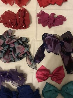 Ladies Hair Bows for Sale in Sanger,  CA
