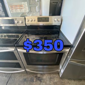 KENMORE STAINLESS ELECTRIC CONVECTION OVEN STOVE 220 VOLT for Sale in Costa Mesa, CA