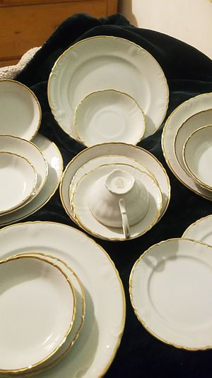 FULL SET* Wentworth Gold-Rimmed Fine China (Japan) for Sale in Fairfax, VA