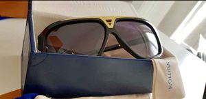 Authentic Louis Vuitton Evidence Sunglasses for Sale in Apple Valley, CA