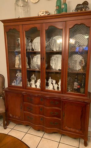 Antique china cabinet for Sale in Orlando, FL