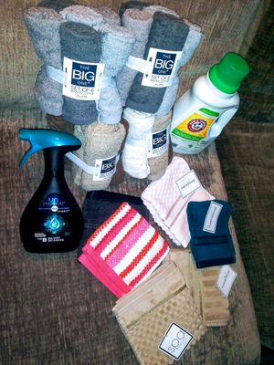 BRAND NEW !!! 29pcs TOWEL SET + DETERGENT / SOFTENER $30 for Sale in Capitol Heights, MD
