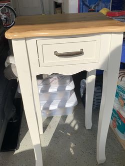 Side Table for Sale in Port St. Lucie,  FL