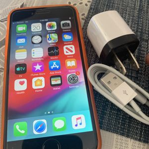 iPhone 6 16gb Unlocked Already No Issues At All for Sale in Santa Ana, CA