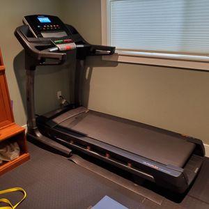 NordicTrack C 900 Treadmill for Sale in Bellevue, WA