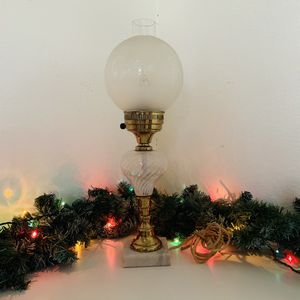 """VINTAGE """"GONE WITH THE WIND"""" STYLE LAMP for Sale in Dallas, TX"""