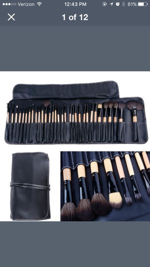 24 piece makeup brush set and case for Sale in Herriman, UT