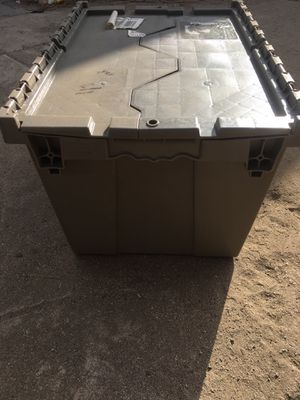 Storage totes container with lids for Sale in Fontana, CA
