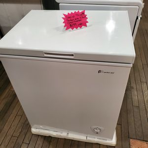 New Perfect Air Chest Freezer 5.0 Cu.ft White Color for Sale in Riverside, CA