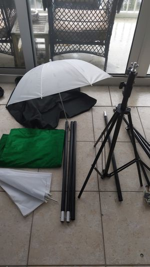 Studio Lighting set and Green screen for Sale in Miami Beach, FL