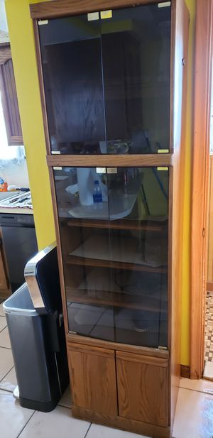 Vintage wood cabinet with glass for Sale in SELFRIDGE, MI