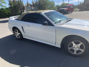 2004 Ford Mustang premium 3.9L for Sale in Denver, CO