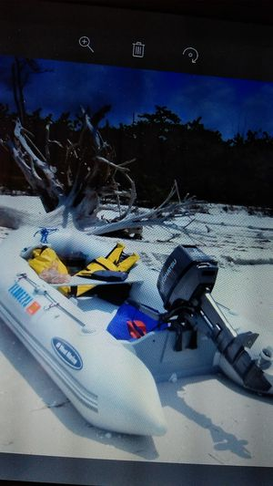 10' inflatable boat with 8hp motor. for Sale in Port Richey, FL