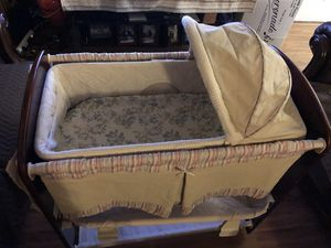 Baby crib for Sale in Hayward, CA