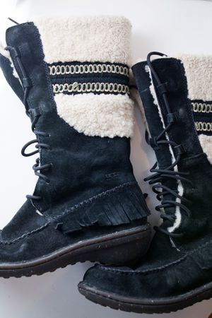 Genuine Leather & Sheepskin Ugg Boots Used Size 8 for Sale in Boston, MA