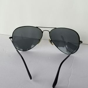 Ray Ban Aviator sunglasses for Sale in Pantego, TX