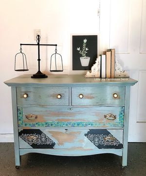 Antique Coastal Shabby Chic Distressed Drawers Chest/Dresser/Accent Vanity on Casters for Sale in West Covina, CA