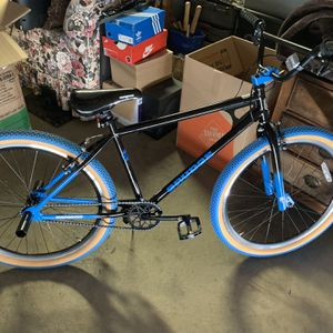 New Condition Mongoose Bike for Sale in Hesperia, CA