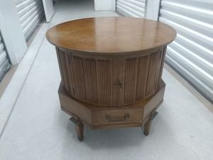 MASTERCRAFT FURNITURE - Wood Round Drum Side - Accent Table – Storage for Sale in Miramar, FL