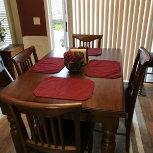 Dining Room Kitchen Table for Sale in Cumming, GA
