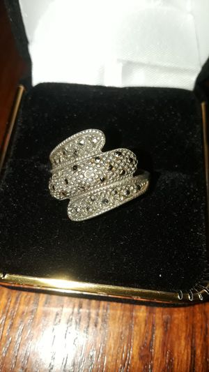 Gorgeous vintage Sterling Silver 925 Marcasite ring. for Sale in New York, NY
