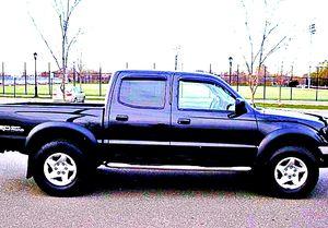 ֆ14OO 4WD Toyota Tacoma Clean for Sale in Lorain, OH