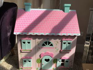 DOLL PLAYHOUSE for Sale in Chicago, IL