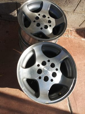 Jeep Cherokee wheels for Sale in Moreno Valley, CA