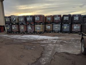 200 gallon tubs for Sale in Sioux Falls, SD