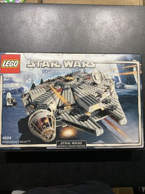 LEGO Star Wars Millennium Falcon 2004 (4504) (MINT 100% complete) for Sale in Boca Raton, FL