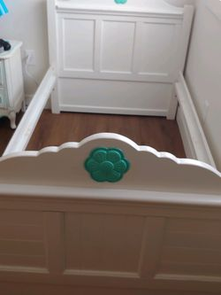 Twin Bed for Sale in Joint Base Lewis-McChord,  WA