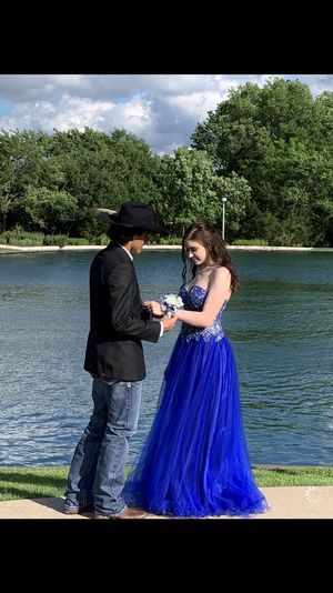Gorgeous Royal blue prom dress for Sale in Navasota, TX