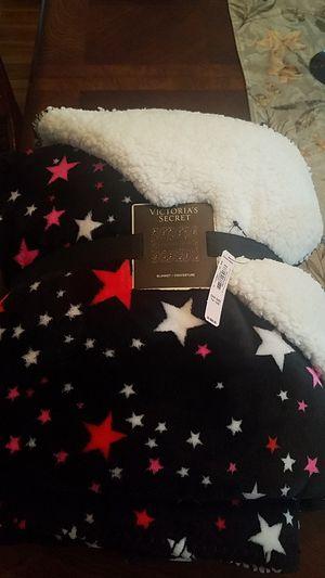 Victoria Secret Sherpa blanket for Sale in Bellwood, IL