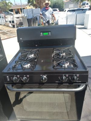 GE GAS STOVE for Sale in Las Vegas, NV