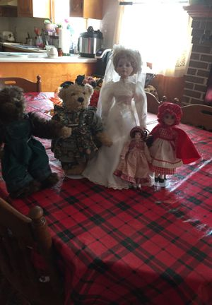 Dolls and Teddy Bear couple ! for Sale in Sutherland, VA