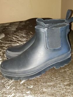 Target Rain Boots (Size 8) for Sale in Oakland,  CA