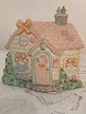 Precious Momenta Cottage figurine for Sale in Phoenix, AZ