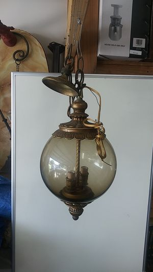 Hangin antique lamp 2 bulb for Sale in Katy, TX