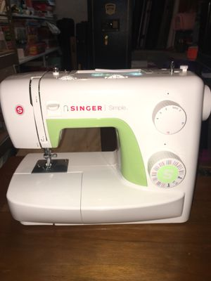 Sewing machine and bag for Sale in Coraopolis, PA
