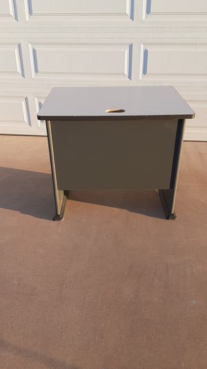 "Very Nice office desk.Approx. L 36"" X W 27"" X H29"". for Sale in Sun City, AZ"