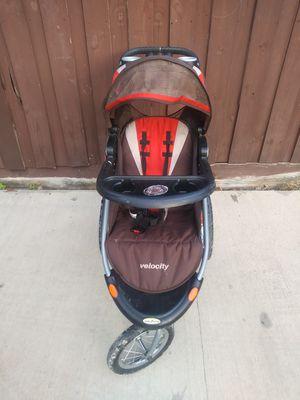 Jogging stroller for Sale in Dallas, TX