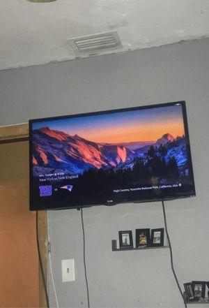 40in lg tv for Sale in Miami, FL