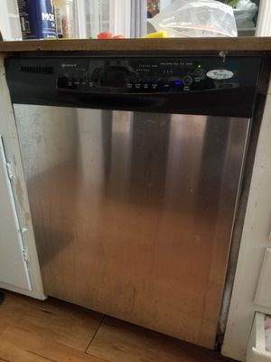 Black and chrome whirlpool dish washer for Sale in Abilene, TX