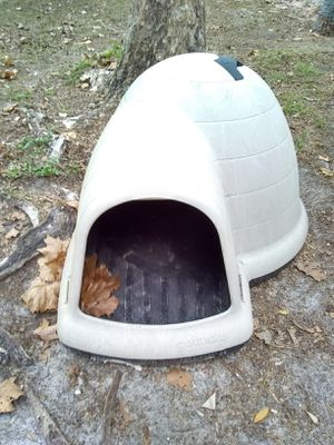 Large Pet Mate dog house for sale for Sale in Deltona, FL